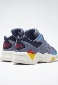 Reebok Classic - AZTREK 96 SHOES - Trainers - blue/blue/pink - 1
