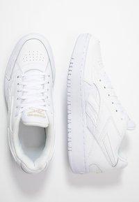 Reebok Classic - COURT DOUBLE MIX - Sneakersy niskie - white/panton - 3