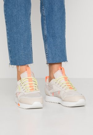 RIPPLE TRAIL - Baskets basses - stucco/lemon glow/solar orange