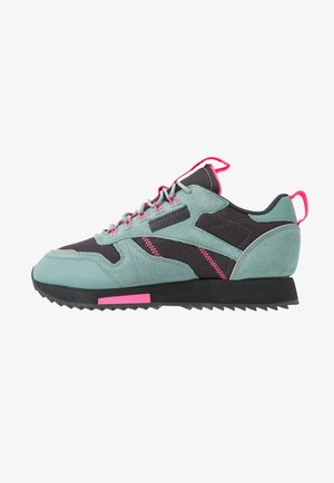 RIPPLE TRAIL - Zapatillas - green slash/triple grey/solar pink