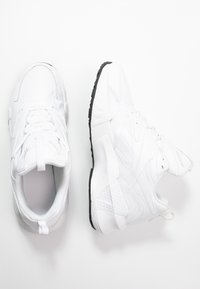 Reebok Classic - AZTREK DOUBLE MIX - Trainers - white/black - 3