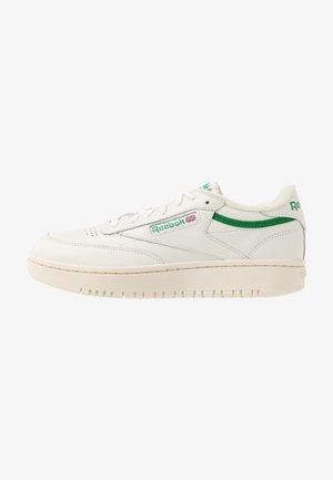 CLUB C DOUBLE - Sneakers laag - chalk/paper white/glen green
