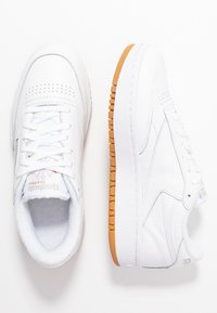 Reebok Classic - CLUB C DOUBLE - Sneakersy niskie - white - 5