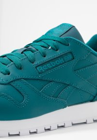 Reebok Classic - Baskets basses - hertea/white/seatea - 2