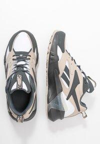 Reebok Classic - AZTREK DOUBLE  - Zapatillas - cold grey/modern beige/chalk - 3