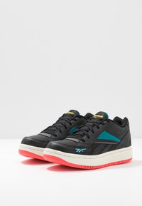 Reebok Classic - COURT DOUBLE MIX - Zapatillas - black/pure grey/seaport teal - 4