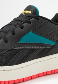 Reebok Classic - COURT DOUBLE MIX - Zapatillas - black/pure grey/seaport teal - 2