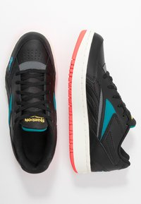 Reebok Classic - COURT DOUBLE MIX - Zapatillas - black/pure grey/seaport teal - 3