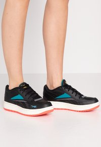 Reebok Classic - COURT DOUBLE MIX - Zapatillas - black/pure grey/seaport teal - 0