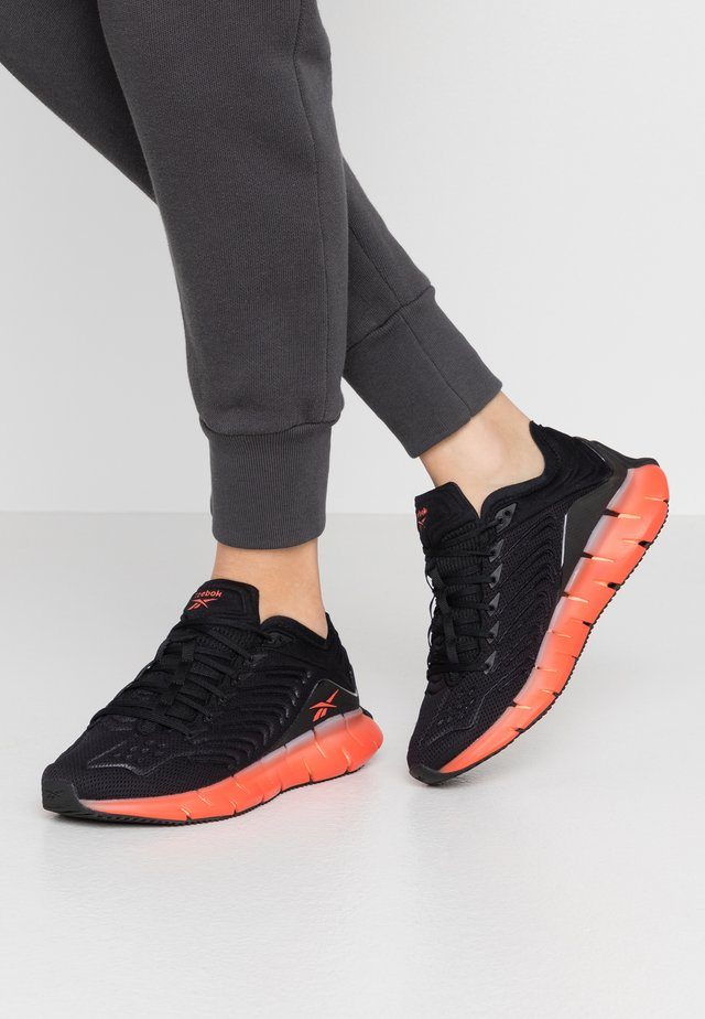 ZIG KINETICA - Trainers - black/sun orange/vivdor