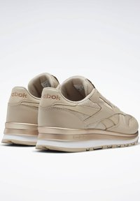 Reebok Classic - CLASSIC LEATHER SHOES - Sneakersy niskie - modern beige - 3