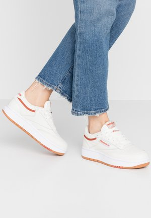 CLUB C DOUBLE - Sneakers laag - chalk/mardus