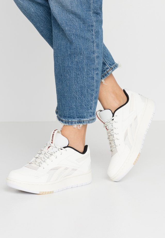 COURT DOUBLE MIX - Sneakers laag - chalk/classic white/black