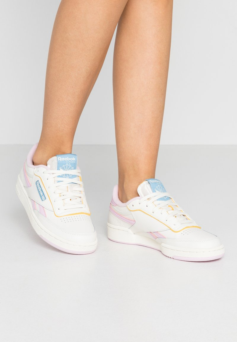 Reebok Classic - CLUB C REVENGE - Sneakers laag - chalk/pixel pink/chalk