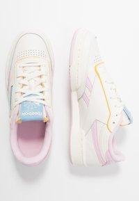 Reebok Classic - CLUB C REVENGE - Sneakers laag - chalk/pixel pink/chalk - 3