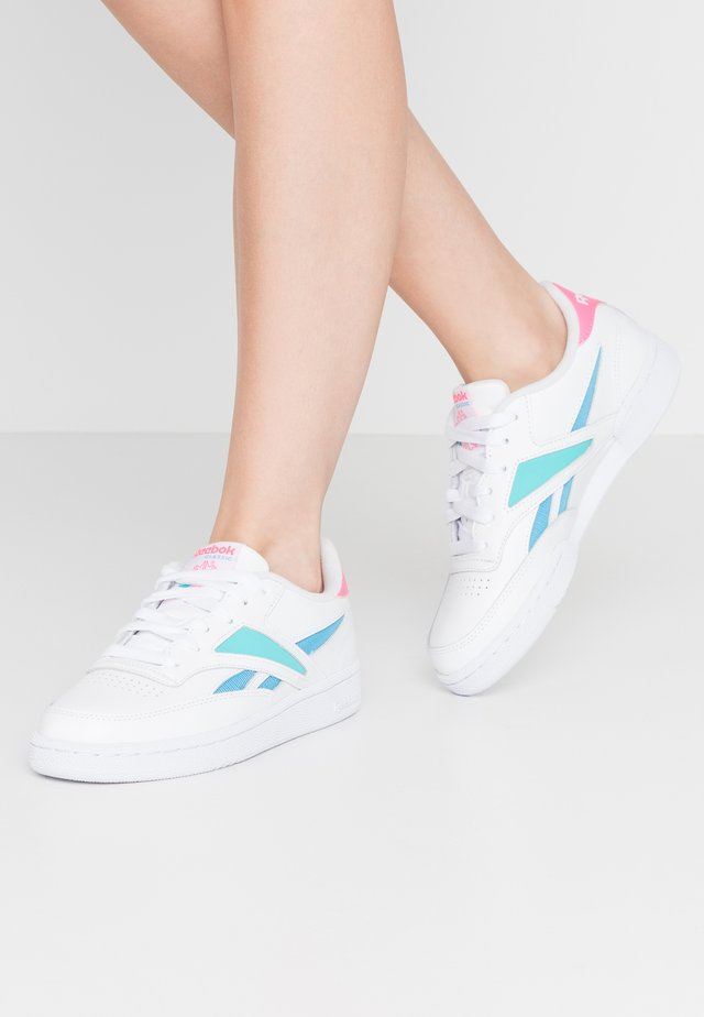 CLUB C REVENGE MARK - Sneakers laag - white/solar teal/bright cyan