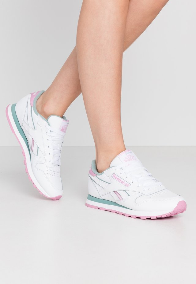Trainers - white/green slate/jasmine pink