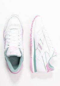 Reebok Classic - Sneakersy niskie - white/green slate/jasmine pink - 3