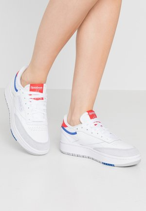 CLUB C DOUBLE - Sneaker low - white/radred/grey