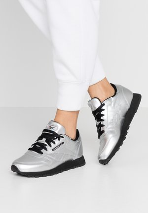 Trainers - silver metallic/black