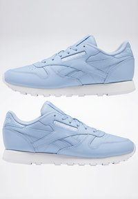 Reebok Classic - CLASSIC LEATHER SHOES - Joggesko - fluid blue - 6