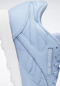 Reebok Classic - CLASSIC LEATHER SHOES - Joggesko - fluid blue - 7