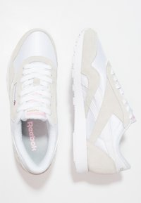 Reebok Classic - CLASSIC LEATHER NYLON BREATHABLE UPPER SHOES - Sneakers basse - white/light grey - 2