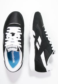 Reebok Classic - CLASSIC LEATHER NYLON BREATHABLE UPPER SHOES - Sneaker low - black/white - 1