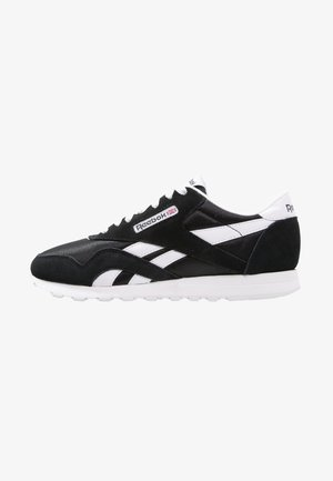 CLASSIC LEATHER NYLON BREATHABLE UPPER SHOES - Sneaker low - black/white
