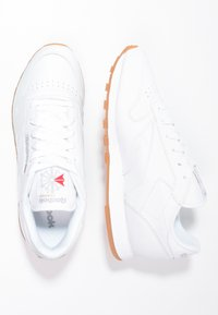 Reebok Classic - CLASSIC LEATHER CUSHIONING MIDSOLE SHOES - Zapatillas - white - 2