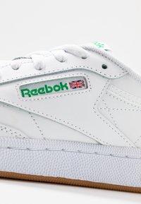 Reebok Classic - CLUB C 85 - Joggesko - white/green - 2