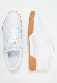Reebok Classic - WORKOUT PLUS - Zapatillas - white/carbon/red/roya - 1