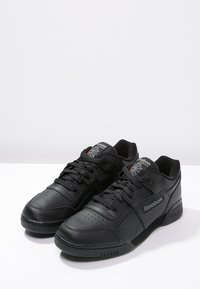 Reebok Classic - WORKOUT PLUS - Sneakers - black/charcoal - 2