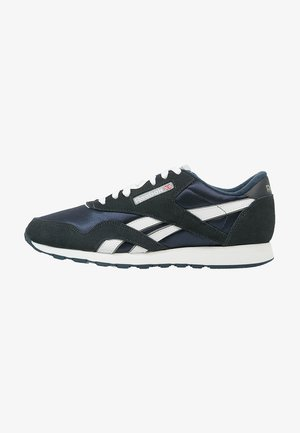 CLASSIC NYLON BREATHABLE LIGHTWEIGHT SHOES - Trainers - team navy/platinum