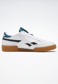 Reebok Classic - CLUB C REVENGE SHOES - Baskets basses - white - 5