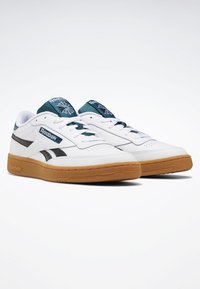 Reebok Classic - CLUB C REVENGE SHOES - Baskets basses - white - 2