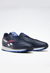 Reebok Classic - CLASSIC LEATHER SHOES - Sneaker low - blue - 1