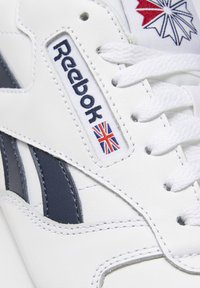 Reebok Classic - CLASSIC LEATHER SHOES - Baskets basses - white - 8