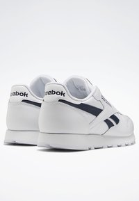 Reebok Classic - CLASSIC LEATHER SHOES - Baskets basses - white - 4