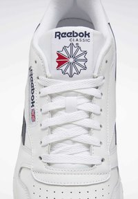 Reebok Classic - CLASSIC LEATHER SHOES - Baskets basses - white - 7
