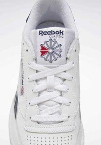 Reebok Classic - CLUB C REVENGE SHOES - Sneakers laag - white - 5