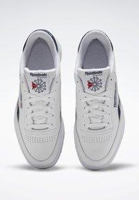 Reebok Classic - CLUB C REVENGE SHOES - Sneakers laag - white - 1