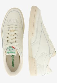 Reebok Classic - CLUB C 1985 TV - Baskets basses - chalk/paperwhite/green - 1