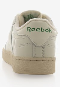 Reebok Classic - CLUB C 1985 TV - Baskets basses - chalk/paperwhite/green - 3