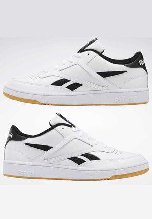 CLUB C REVENGE MARK SHOES - Sneakers laag - white