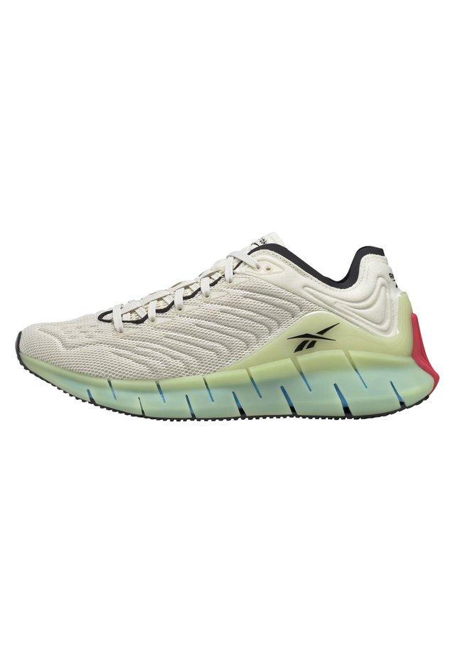 ZIG KINETICA SHOES - Sneakersy niskie - white