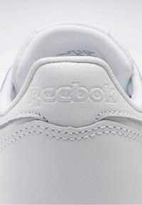 Reebok Classic - CLASSIC LEATHER SHOES - Sneakers laag - white - 9