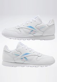 Reebok Classic - CLASSIC LEATHER SHOES - Sneakers laag - white - 6