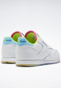 Reebok Classic - CLASSIC LEATHER SHOES - Sneakers basse - white - 4