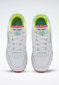Reebok Classic - CLASSIC LEATHER SHOES - Sneakers basse - white - 2